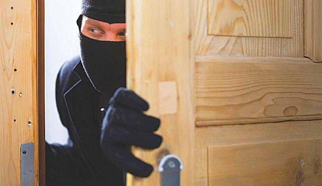 سرقت با شکست حرز در بیمه نامه به چه معناست ؟